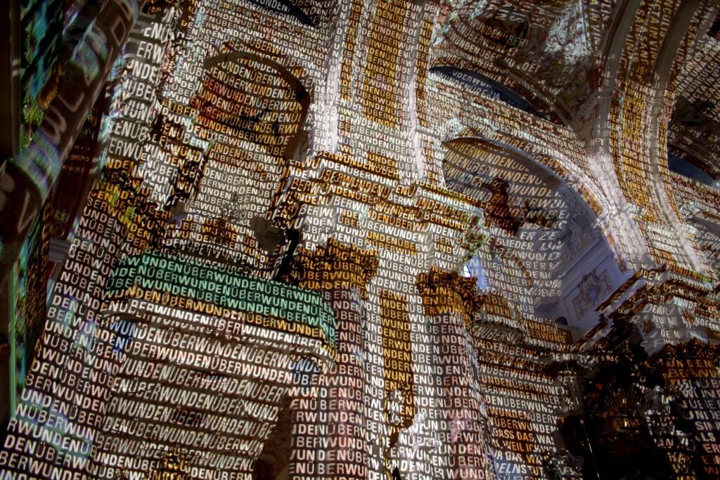 Lichtinstallation in der Klosterkirche am Samstag, 20. Juni von 21.30 bis 24 Uhr. Foto: Deschauer