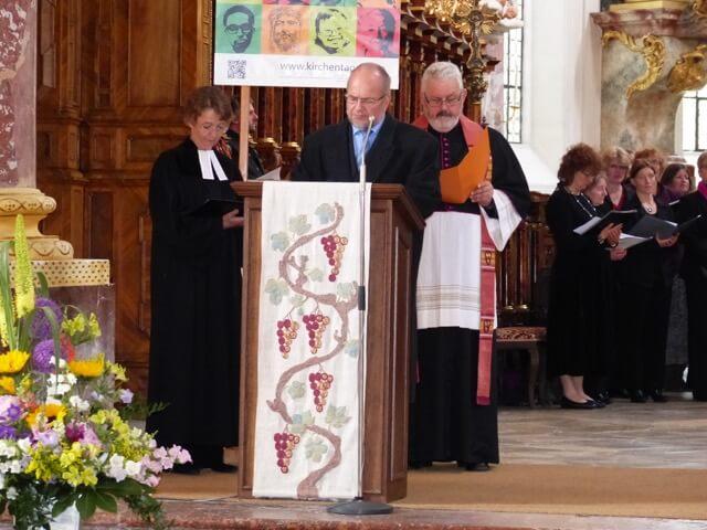 von links: Ursula Leitz-Zeilinger, Pfarrerin Gnadenkirche FFB, Pastor Gerd Ballon, Freie evangelische Gemeinde, Dekan und Pfarrer Albert Bauernfeind, Pfarrverband Fürstenfeld